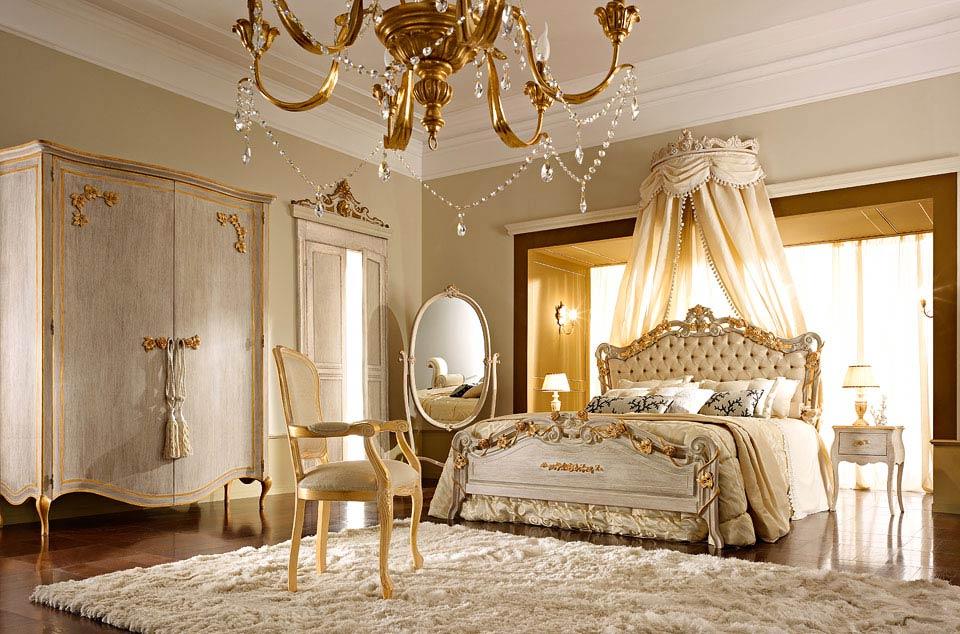 Letti A Baldacchino Antichi : Antico letto a baldacchino u foto stock steveheap